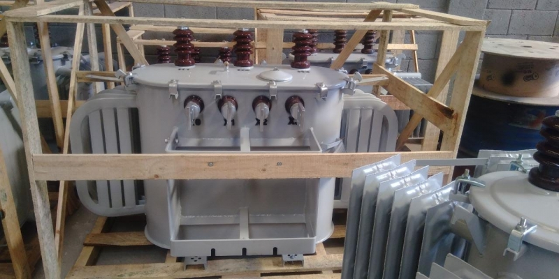 Transformador a óleo Trifásico Preço Varginha - Transformador com óleo 300 Kva